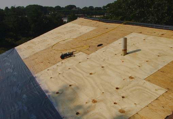 Roofing chicago for Roof sheathing material